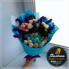 Букет из клубники и цветов - КБ52