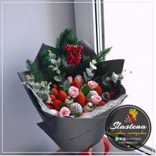 Букет из клубники и цветов - КБ23