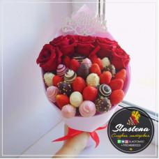 Букет из клубники и цветов - КБ56