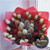 Букет из клубники и цветов - КБ3