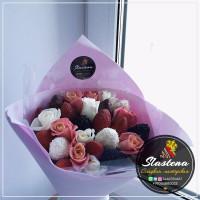 Букет из клубники и цветов - КБ59